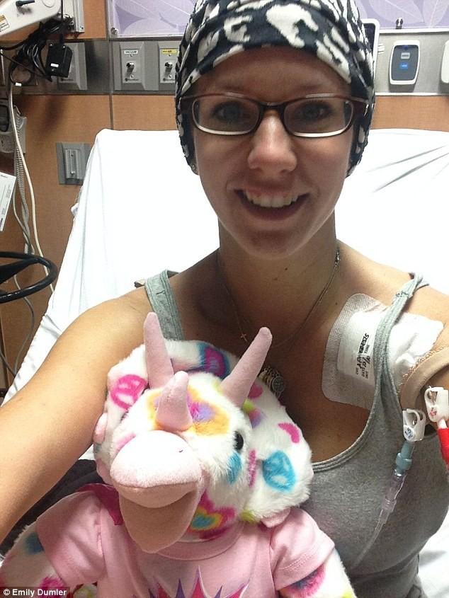 Bà mẹ 3 con này đã là người thứ 3 trên thế giới trị dứt điểm ung thư hạch bạch huyết - Ảnh 1.