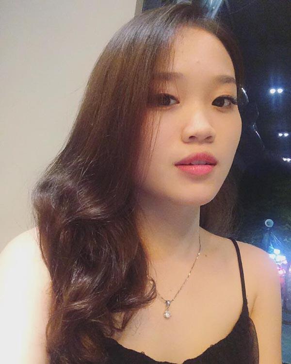 Danh tính cô em dâu gợi cảm, xinh đẹp của hoa hậu Phạm Hương - Ảnh 3.