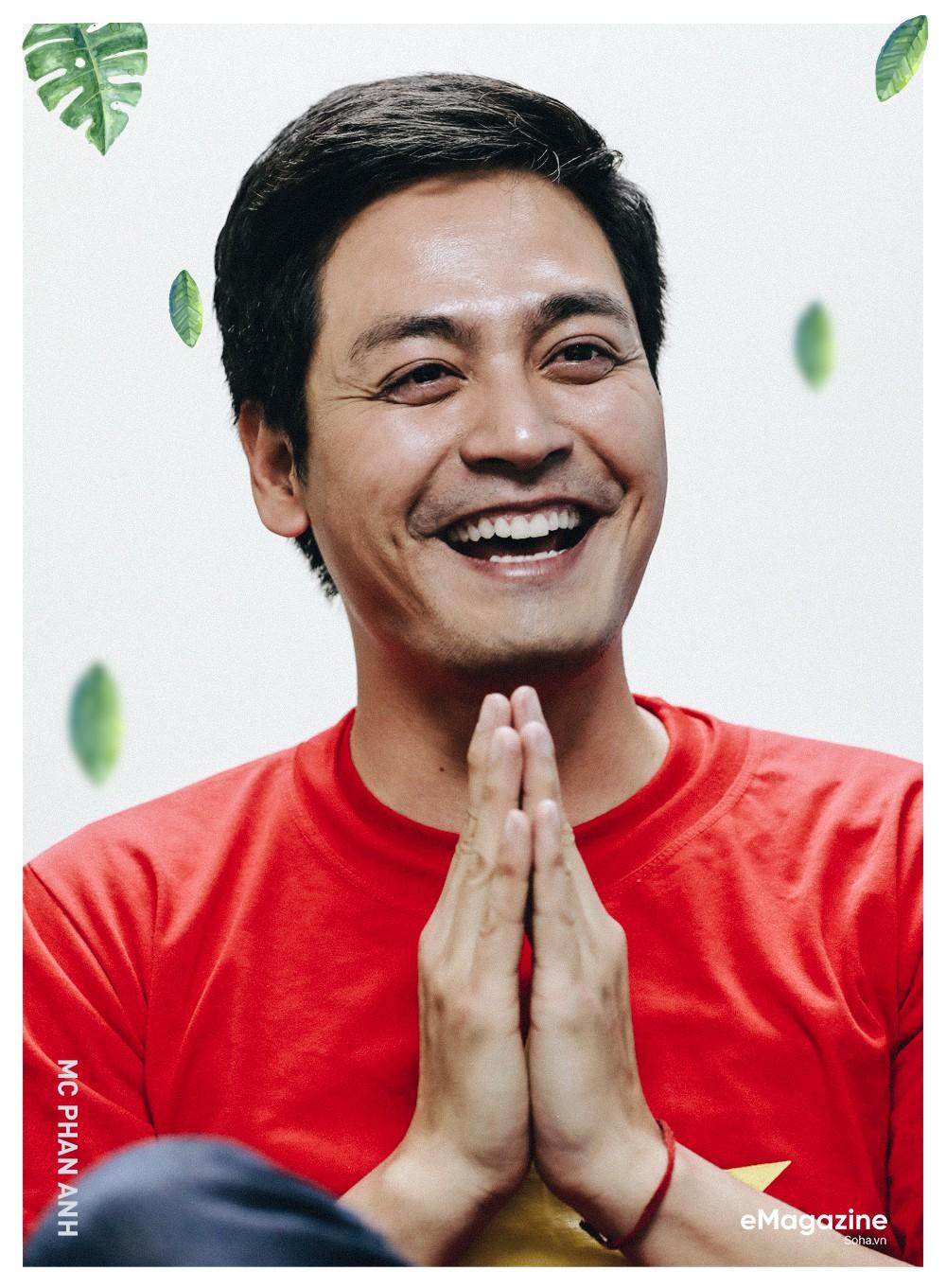 """MC Phan Anh: """"Có một buổi sáng sau khi ngủ dậy, tôi thấy tóc mình bạc trắng - Ảnh 7."""
