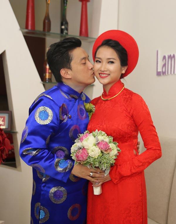 Nhan sắc vợ 9x của Lam Trường sau khi sinh con đầu lòng - Ảnh 1.