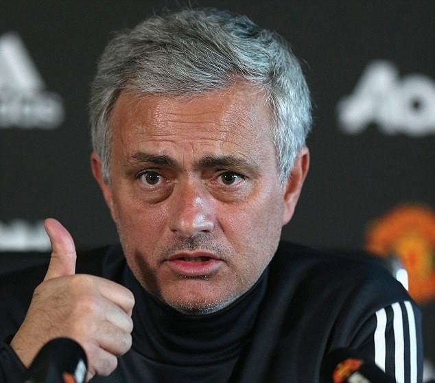 Mourinho: Man City vô địch vì thắng những trận không xứng đáng thắng - Ảnh 1.
