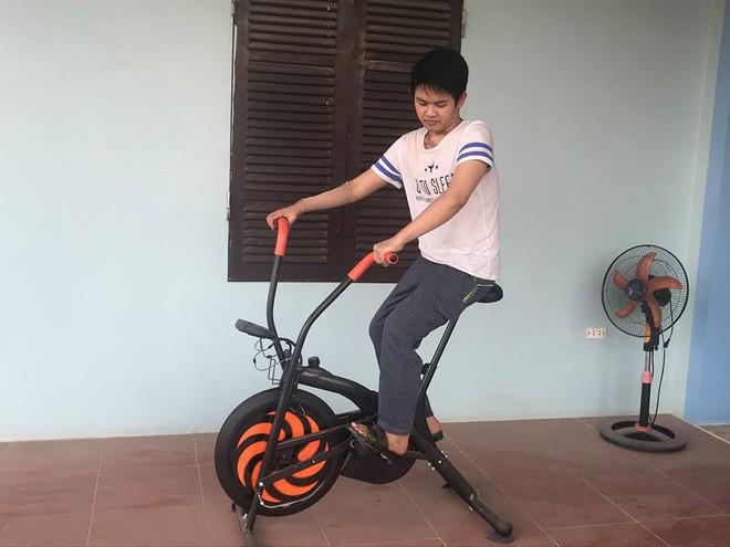 Cậu bé 16 tuổi sống sót sau vụ cháy xưởng bánh kẹo khiến 8 người tử vong ở Hà Nội bây giờ ra sao - Ảnh 3.