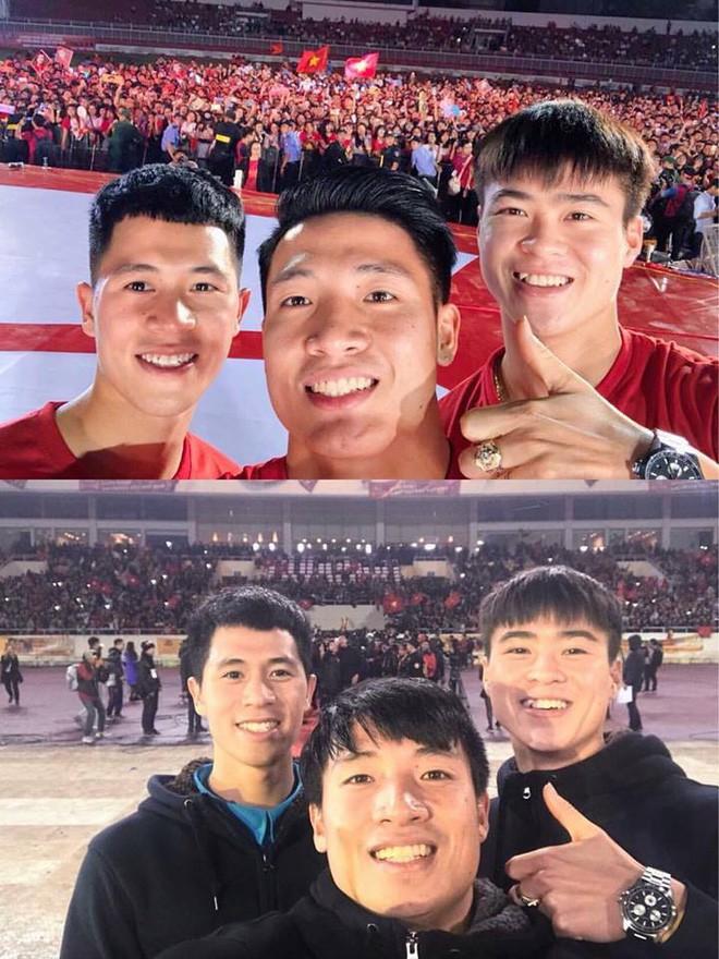Những bức ảnh chứng minh: Dù cho vật đổi sao dời, 3 cầu thủ U23 này chỉ có một biểu cảm selfie duy nhất  - Ảnh 1.