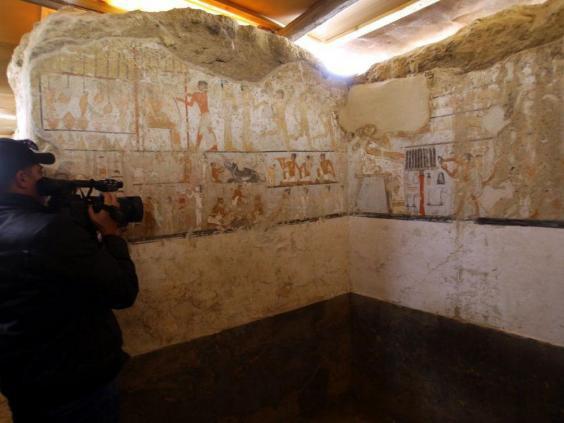 Phát hiện lăng mộ 4.400 năm tuổi, hé lộ nhân vật quan trọng trong lịch sử Ai Cập cổ đại - Ảnh 3.