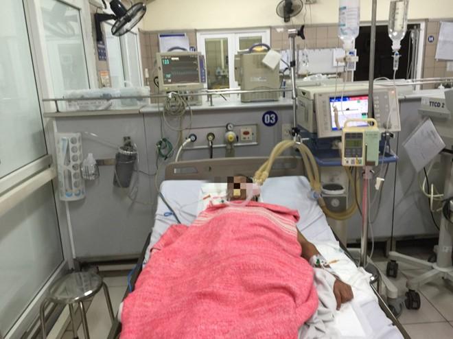 Chưa đến Tết đã gia tăng số người nhập viện do ngộ độc rượu - Ảnh 1.