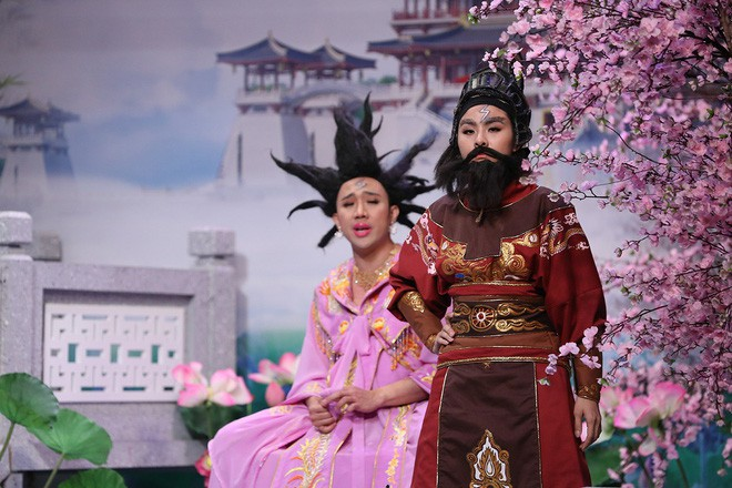 Trước bàn dân thiên hạ, Trấn Thành khẳng định: Hari Won đã héo! - Ảnh 2.