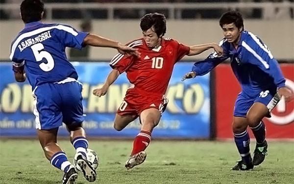 Văn Quyến và các ngôi sao vươn tầm châu Á của bóng đá Việt Nam ngã trong vinh quang - Ảnh 1.
