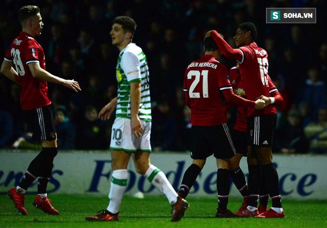 Marcus Rashford: Mourinho bó tay, Man United phập phồng lo sợ cho viên ngọc quý - Ảnh 1.