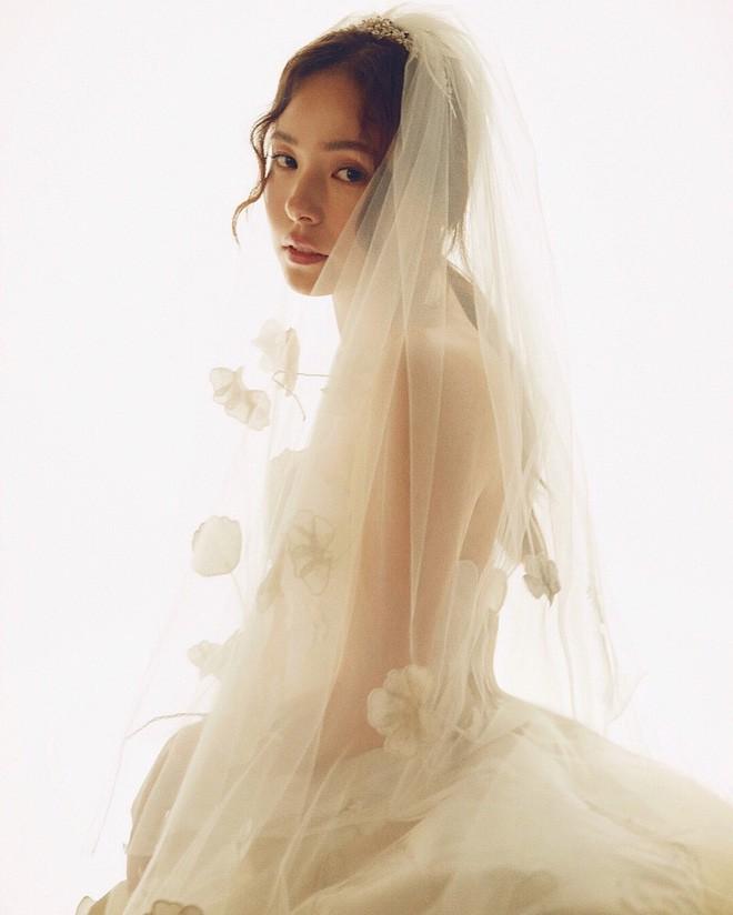 Ai nói lấy chồng là khổ, hãy nhìn loạt mỹ nhân này: Vừa được chồng như ý, vừa thăng hạng từ nhan sắc đến khí chất - Ảnh 14.