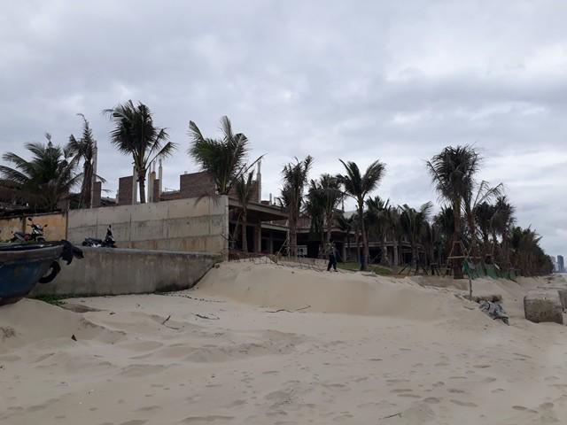 Đà Nẵng lại phát hiện nhiều biệt thự xây dựng không phép ven biển - Ảnh 1.