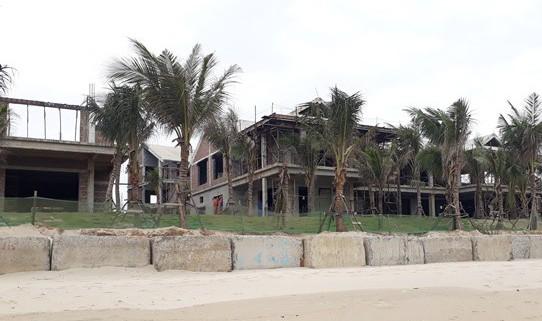 Đà Nẵng lại phát hiện nhiều biệt thự xây dựng không phép ven biển - Ảnh 2.