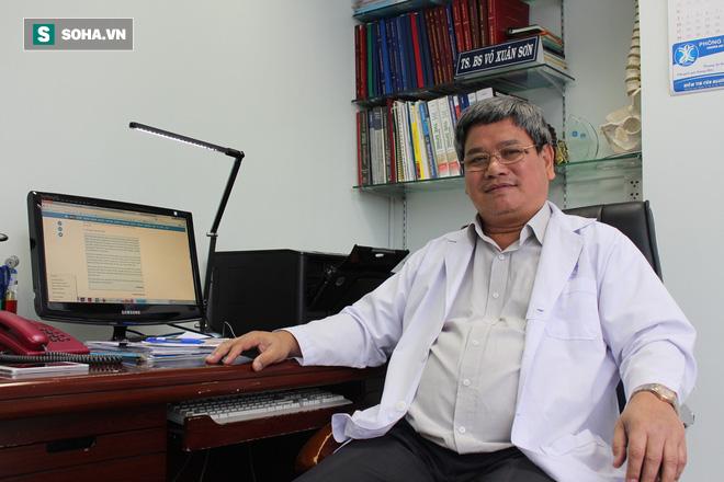 TS Võ Xuân Sơn: Tôi sẽ kêu gọi nhân viên y tế đánh trả kẻ hành hung khi không còn cách khác - Ảnh 1.