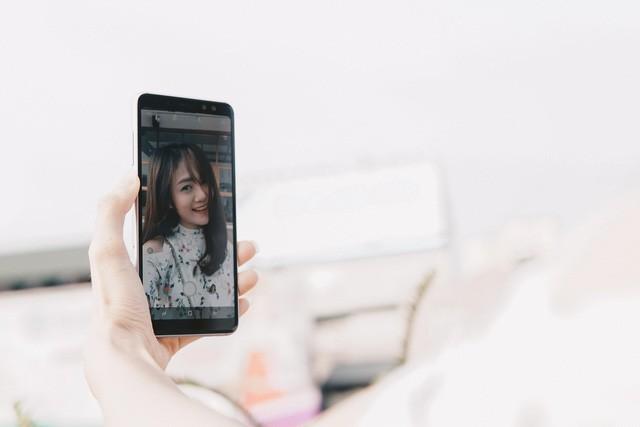 Trở thành bậc thầy selfie không khó, vài bí kíp sau sẽ giúp bạn chụp ảnh nghệ nhất - Ảnh 8.