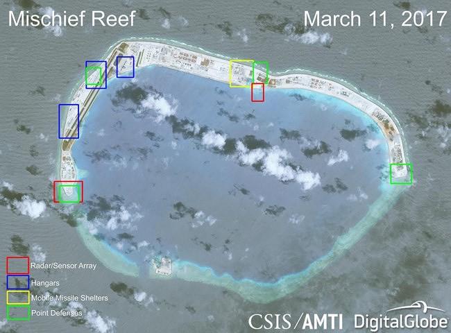 Báo Mỹ: Đảo nhân tạo Trung Quốc trên Biển Đông khó sống sót khi có biến - Ảnh 2.