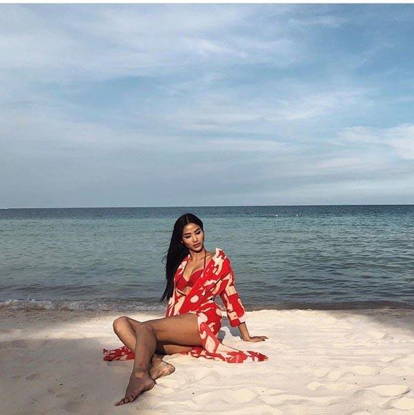 Cuộc đua gợi cảm của Hoàng Thùy, Mâu Thủy sau Hoa hậu Hoàn vũ Việt Nam - Ảnh 10.