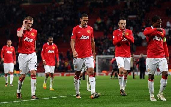 Dành 12 phút nã đạn vào quá khứ, Mourinho dẹp yên cơn bão lớn trong lòng Man United - Ảnh 2.