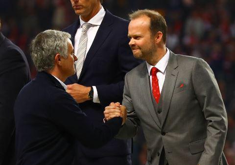 Dành 12 phút nã đạn vào quá khứ, Mourinho dẹp yên cơn bão lớn trong lòng Man United - Ảnh 5.