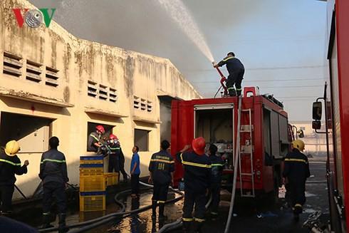 Cháy lớn tại Khu công nghiệp Biên Hòa 2 - Ảnh 2.