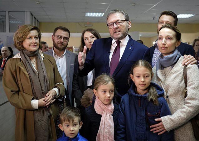 Bầu cử tổng thống Nga: Cử tri tại Anh không bị cản trở bỏ phiếu giữa căng thẳng ngoại giao - Ảnh 4.