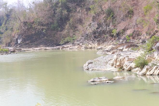 2 thiếu nữ bị nước cuốn tử vong vào thời điểm thủy điện xả nước  - Ảnh 1.