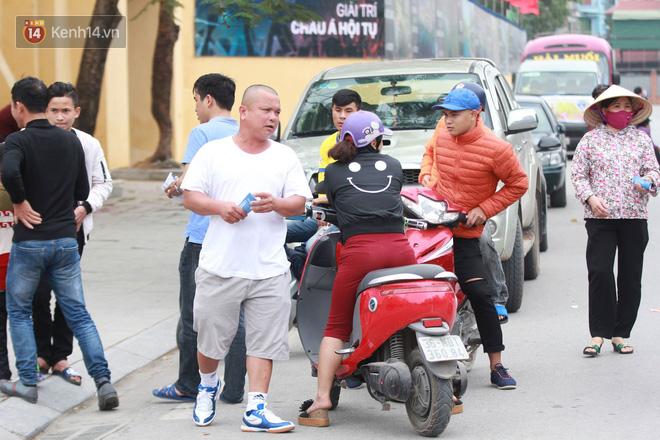 NHM Thanh Hóa vượt hàng chục cây số chờ Bùi Tiến Dũng ra sân - Ảnh 5.