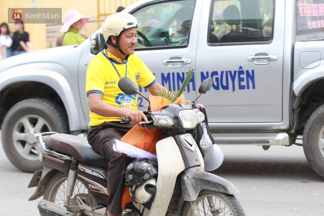 NHM Thanh Hóa vượt hàng chục cây số chờ Bùi Tiến Dũng ra sân - Ảnh 7.