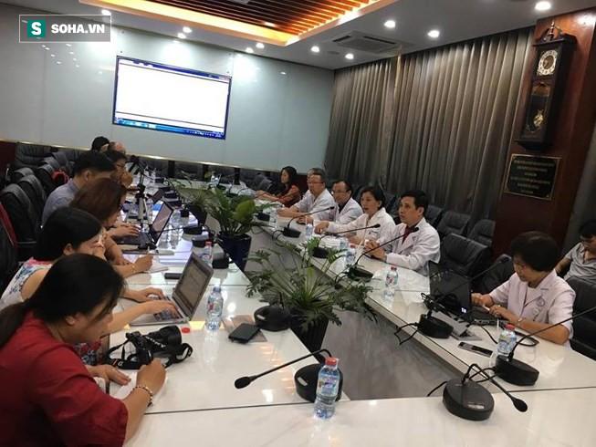 Vận chuyển trái tim phổi của người cho chết não xuyên Việt cứu sống bệnh nhân - Ảnh 1.