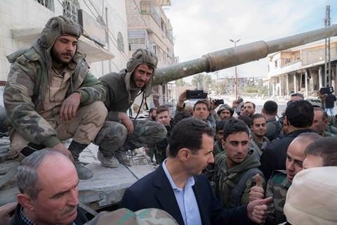 Tổng thống Bashar al-Assad đích thân đến Đông Ghouta, giao tranh sắp chấm dứt? - Ảnh 1.