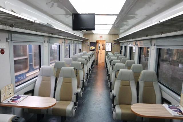 Vua hàng hiệu Hạnh Nguyễn tiến vào thị trường đường sắt: Mở phòng khách VIP tại ga Cam Ranh, bán suất ăn trên tàu chất lượng cao ngang ngửa cho máy bay - Ảnh 1.