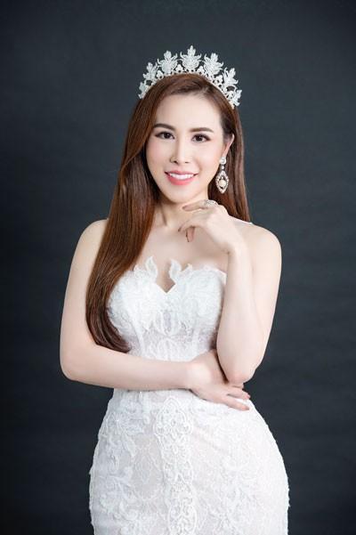 Hoa hậu Hoàng Dung chi 1 tỷ phẫu thuật cho người kém may mắn về nhan sắc - Ảnh 1.