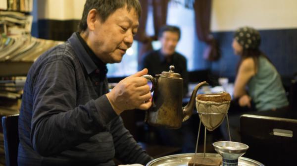 Sự 'sáng tạo tột bậc' của ẩm thực Nhật Bản: Cốc cafe 20 năm tuổi có mức giá hơn 20 triệu - Ảnh 2.