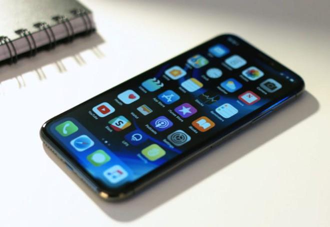 Doanh số iPhone X sẽ là tiếng chuông báo tử cho các điện thoại đắt tiền - Ảnh 1.