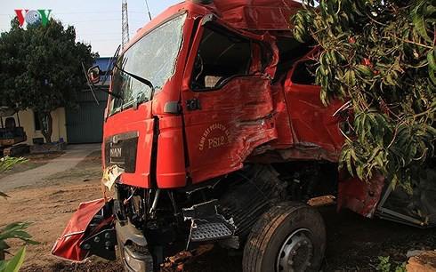 Đại tá CSGT nhận định về vụ xe khách đâm xe cứu hỏa trên cao tốc - Ảnh 2.