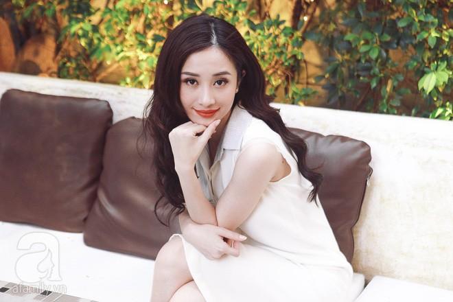 Jun Vũ Tháng năm rực rỡ: Tôi đẹp và bị đại gia gạ gẫm, đi nâng ngực bị chỉ trích thì đáp trả chứ không cho qua! - Ảnh 4.