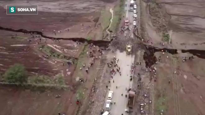Bí ẩn vết nứt khổng lồ chia đôi khu vực Đông Phi: Thảm họa đang rình rập phía trước? - Ảnh 1.