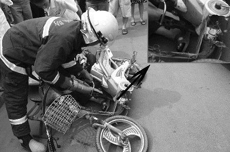 Người đi xe đạp điện ngã tử vong, đơn vị quản lý bảo dưỡng đường phải đền hơn nửa tỉ đồng - Ảnh 1.