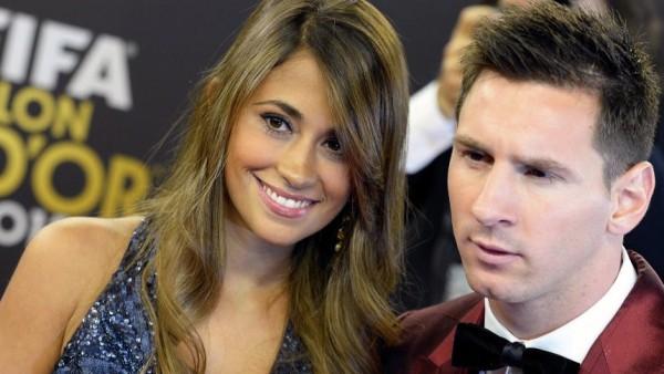 Vợ Messi và bạn gái Ronaldo, ai xinh hơn? - Ảnh 6.