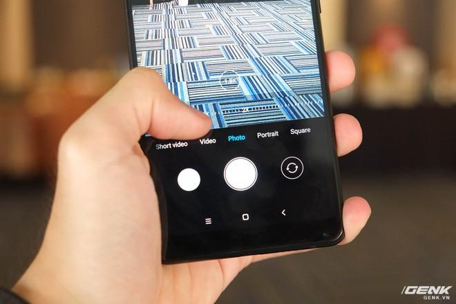 Trên tay Xiaomi Mi Mix 2S: Sinh ra để khắc phục điểm yếu lớn nhất của Mi Mix 2 - Ảnh 2.