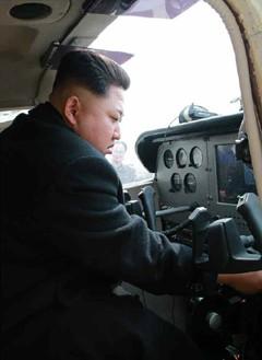 Vì sao ông Kim Jong-un dùng tàu hỏa để đi thăm Trung Quốc thay vì chuyên cơ? - Ảnh 2.
