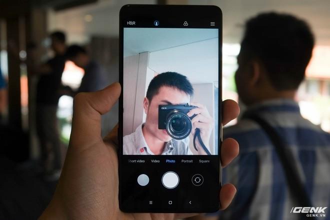 Trên tay Xiaomi Mi Mix 2S: Sinh ra để khắc phục điểm yếu lớn nhất của Mi Mix 2 - Ảnh 6.