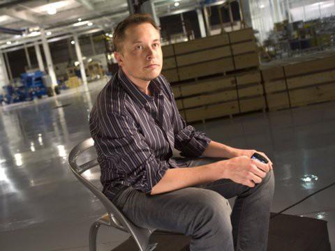 Hành trình kiếm tiền hơn 30 năm của Elon Musk: 12 tuổi tự học lập trình, không ngại lao động chân tay, build PC phục vụ sinh viên khác - Ảnh 2.