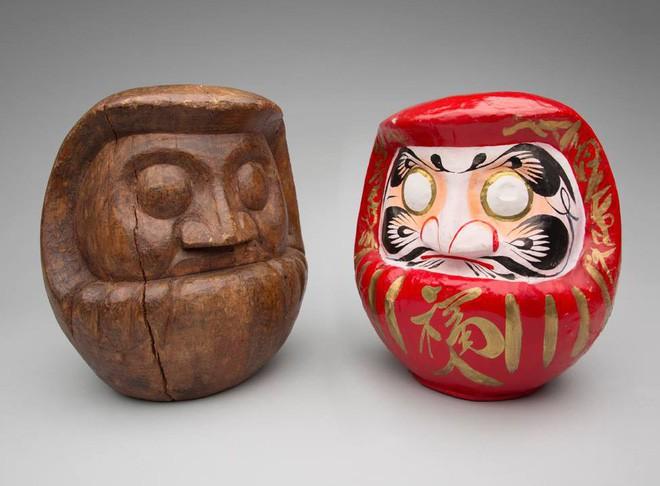 Trông rùng rợn là thế nhưng ít ai ngờ loại búp bê này được coi là báu vật, thần may mắn của người Nhật Bản - Ảnh 1.