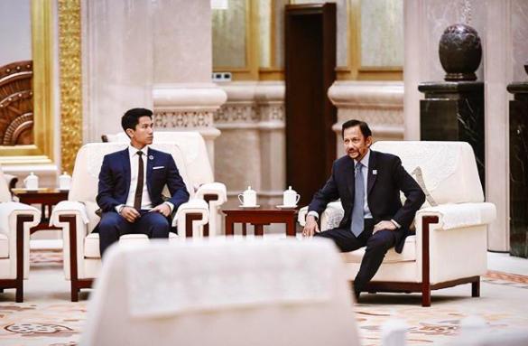Thêm những hình ảnh mới về cuộc sống hoàn hảo của cực phẩm hoàng tử Brunei - Ảnh 2.