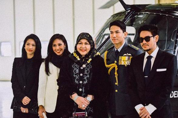 Thêm những hình ảnh mới về cuộc sống hoàn hảo của cực phẩm hoàng tử Brunei - Ảnh 14.