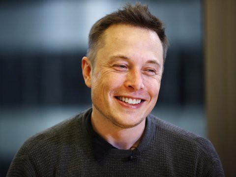 Hành trình kiếm tiền hơn 30 năm của Elon Musk: 12 tuổi tự học lập trình, không ngại lao động chân tay, build PC phục vụ sinh viên khác - Ảnh 17.