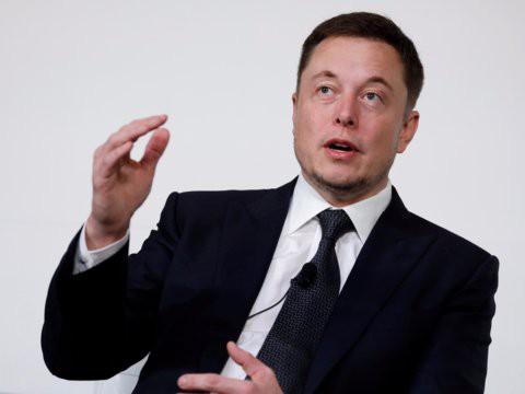 Hành trình kiếm tiền hơn 30 năm của Elon Musk: 12 tuổi tự học lập trình, không ngại lao động chân tay, build PC phục vụ sinh viên khác - Ảnh 3.