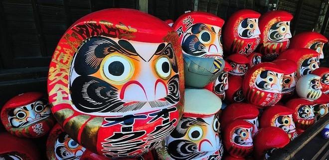 Trông rùng rợn là thế nhưng ít ai ngờ loại búp bê này được coi là báu vật, thần may mắn của người Nhật Bản - Ảnh 5.