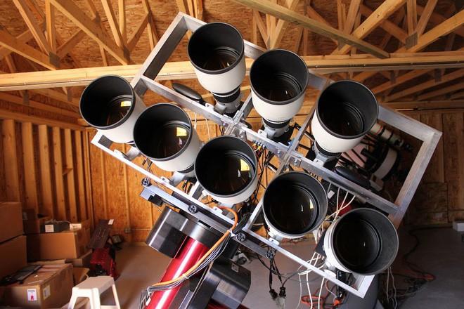 Phát hiện ra ngân hà gần như không có vật chất tối, giới thiên văn học đau đầu không hiểu tại sao - Ảnh 4.