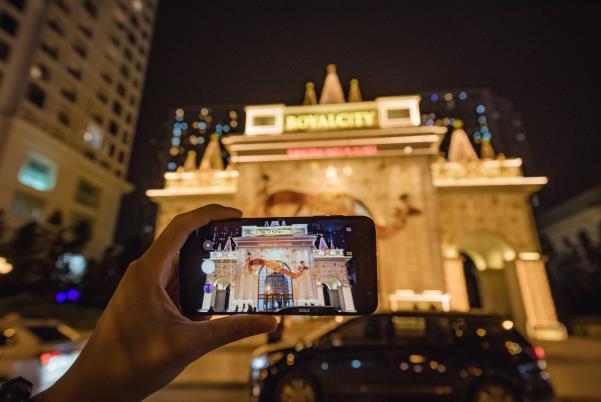 Galaxy J7+, chiếc smartphone mở đầu kỷ nguyên cameraphone trong phân khúc tầm trung - Ảnh 2.