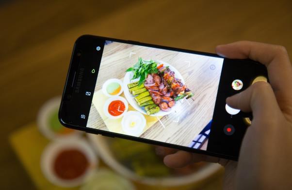 Galaxy J7+, chiếc smartphone mở đầu kỷ nguyên cameraphone trong phân khúc tầm trung - Ảnh 3.
